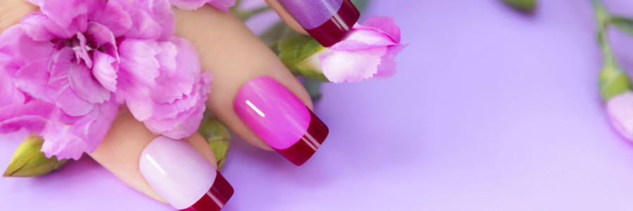 Acrylic nails and polish in Cleckheaton.